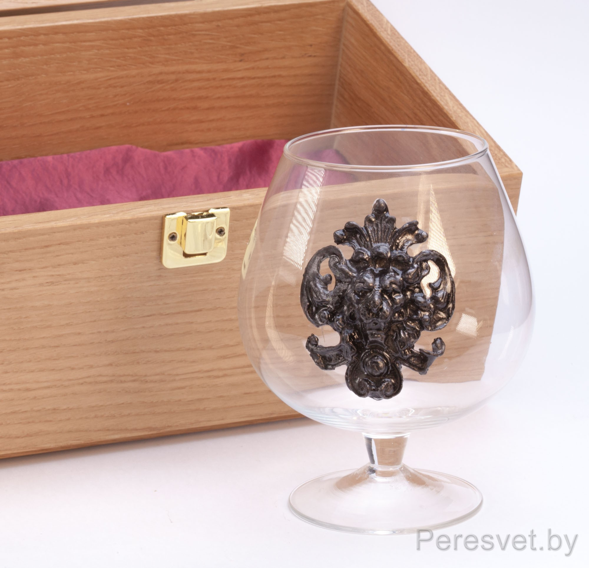 Подарочный набор бокалов для вина в дубовой упаковке Княгиня Бронза на peresvet.by