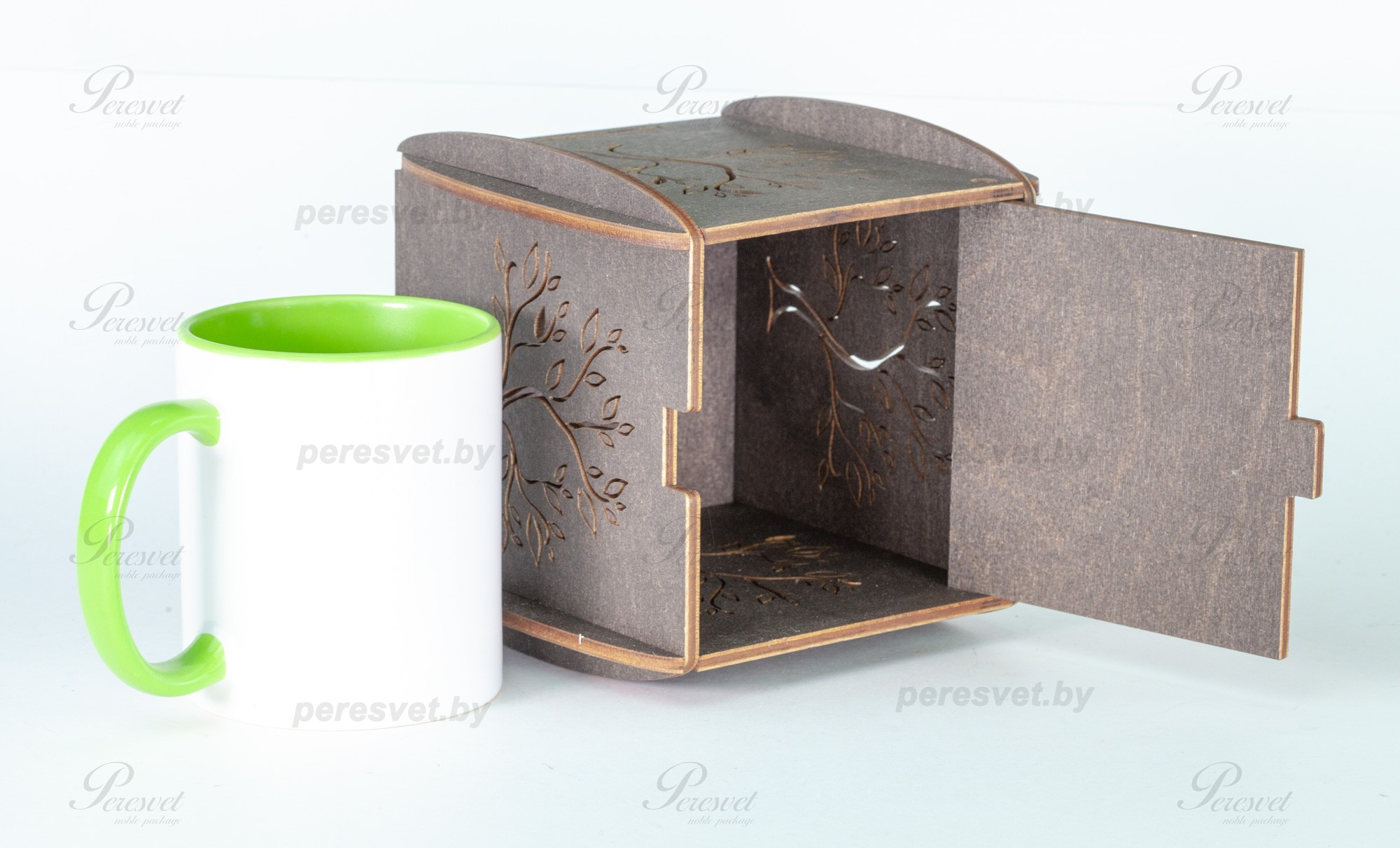 Упаковка деревянная для кружки Древо мечты темная на peresvet.by