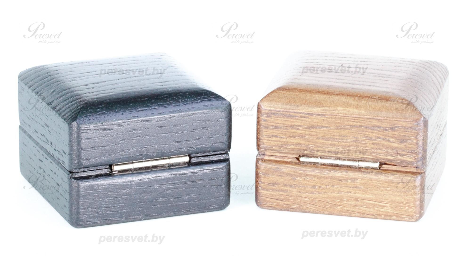 Дубовая коробка для почетных наград на петле на peresvet.by