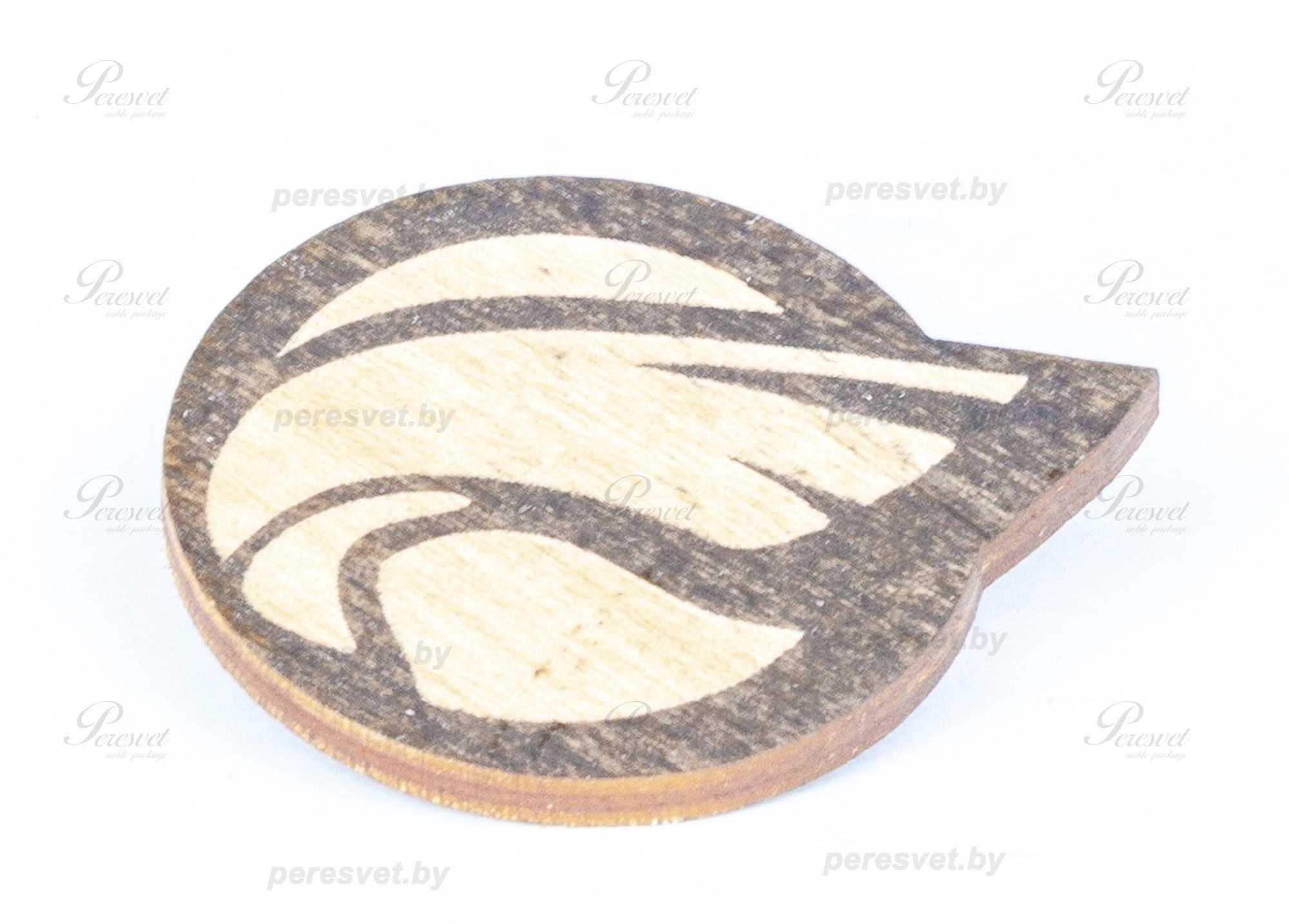 Значок Лого из дерева на застежке с гравировкой на peresvet.by
