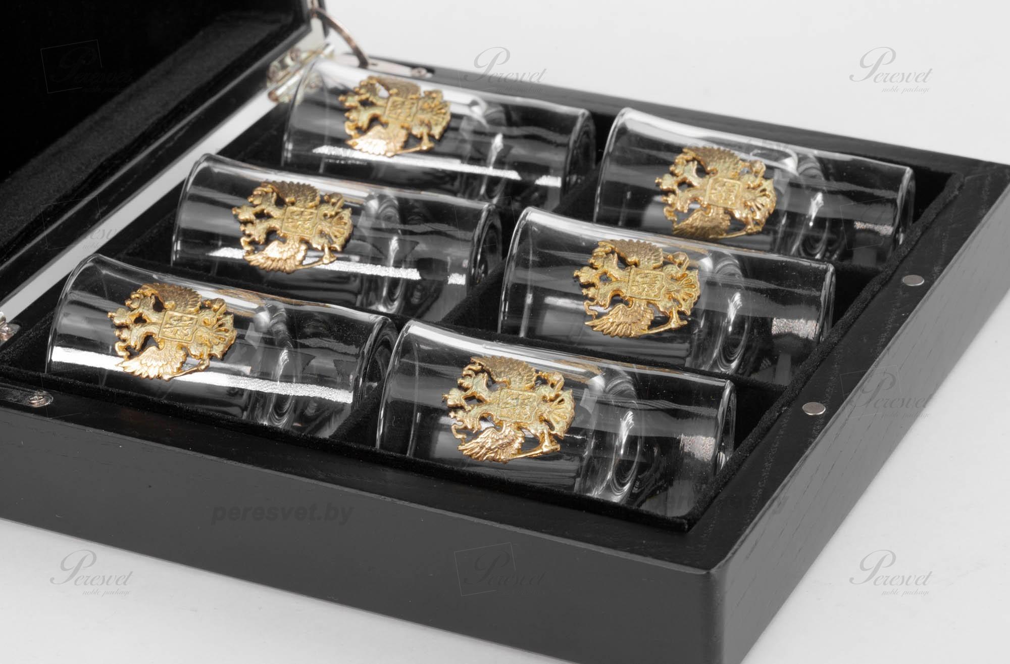 Подарочные рюмки с художественным литьем в дубовой коробке с ложементом на peresvet.by