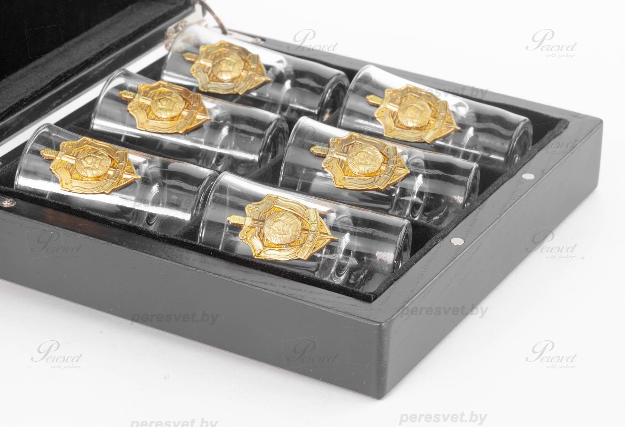Корпоративный подарок в дубовой коробке с ложементом и художественным литьем на peresvet.by